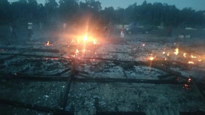 Pasca Terbakarnya Pondok Tahfidz Guntur, Aparatur Desa Galang Bantuan Pakaian Layak Pakai