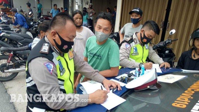 20 Pengendara Terjaring Razia Sat Lantas Polres Bangka Barat, Tegur Pengendara Tak Gunakan Masker
