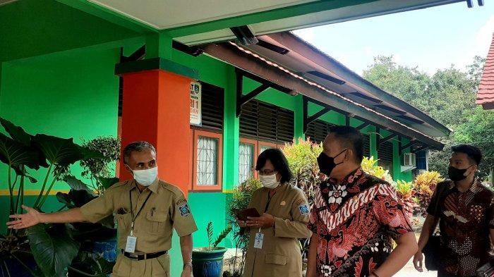 Gedung Aula SMKN 1 Tanjung Pandan Sering Bocor, DPRD Babel Serap Keluhan Kepala Sekolah