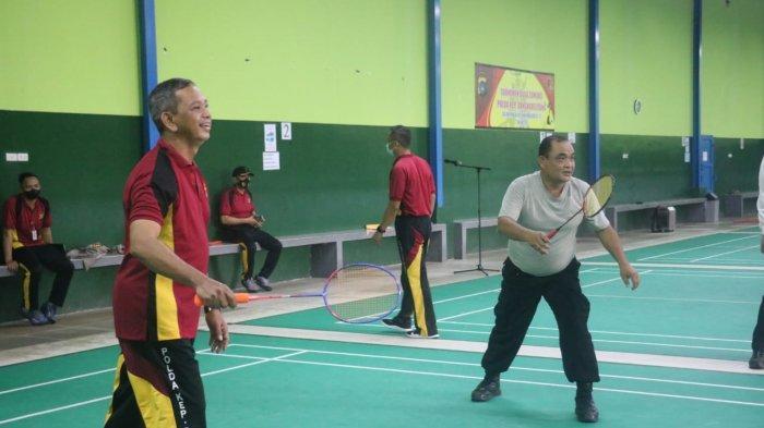 26 Satker Ikut Turnamen Badminton HUT Bhayangkara, Kapolda Babel: Jalin Silaturahmi, Tingkatkan Imun