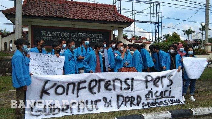 BREAKING NEWS, Mahasiswa Unjuk Rasa di Depan Kantor Gubernur Babel, Surat Audiensi Tak Digubris