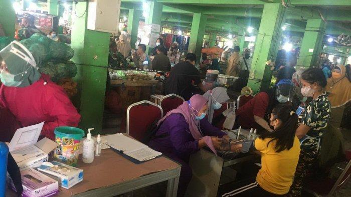 80 Orang Pedagang Pasar Divaksin, Begini Kata dr Masagus M Hakim