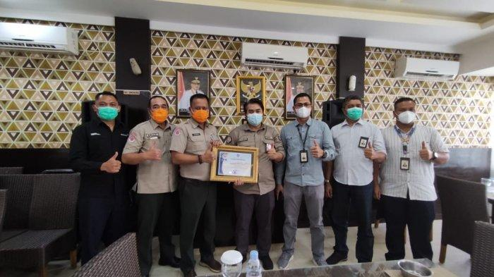 Aktif Tangani Covid-19, Bandara Depati Amir Pangkalpinang Terima Penghargaan dari BPBD Babel