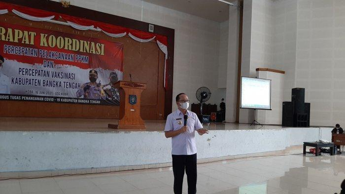 Bupati Bangka Tengah, Algafry Rahman saat memberikan sambutan pada Rapat Koordinasi  PPKM dan perceptan vaksinasi Covid-19, Rabu (16/06/2021) di Gedung Serba Guna Pemkab Bangka Tengah
