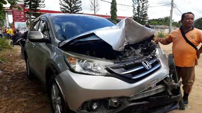 Kecelakaan Beruntun Dipicu Rem Truk Blong, Mobil CRV Ringsek Depan Belakang,Pengendara Motor Terluka