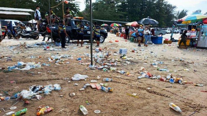 Penonton Grasstrack Kejurda 2021 Bubar, Sisakan Sampah Berhamburan di Pantai Pasir Padi