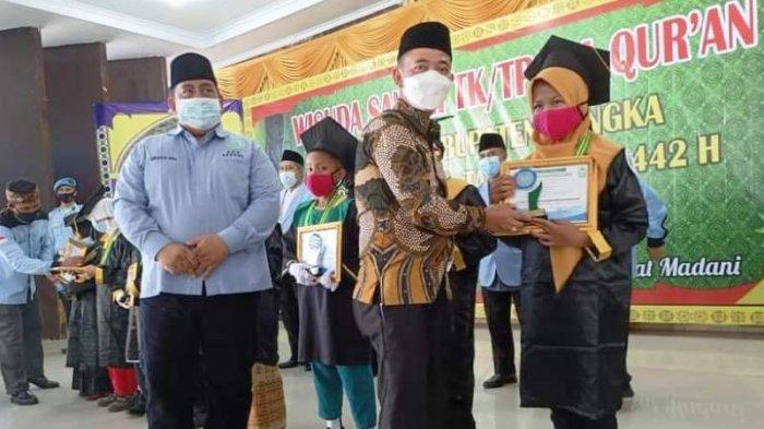 Bupati Mulkan Mewisuda 1.925 Santri TK/TPA BKPRMI se-Kabupaten Bangka