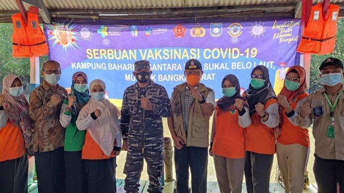 Dukung Program Pemerintah, Lanal Babel Lakukan Serbuan Vaksinasi di KBN Dusun Sukal
