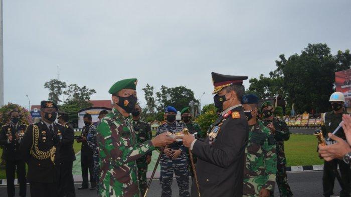 Kapolda Kaget Polda Bangka Belitung Dikepung TNI, Ternyata Suprise HUT ke-75 Bhayangkara