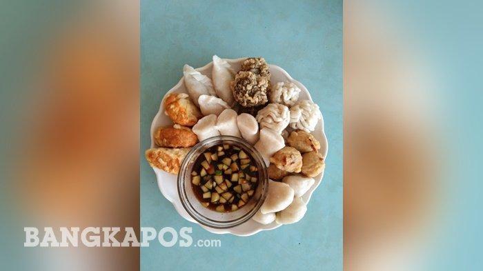 Aneka Menu pempek yang disajikan di Warung Pempek Hj Siom