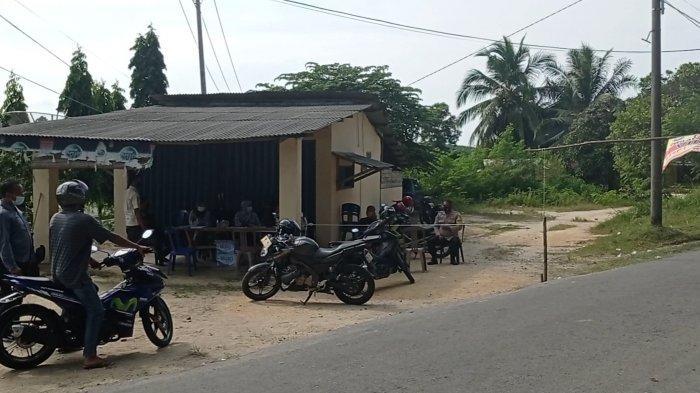 Penerapan PPKM Mikro di Dusun Pait Jaya Bangka Barat,Eci Rela Bolak Balik Anter Makanan untuk Ibunya