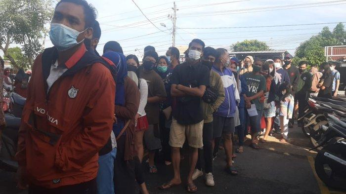 Antrian Vaksin Covid-19 di Puskesmas Taman Sari Membludak, Hengki Sudah Menunggu dari Jam 5 Pagi