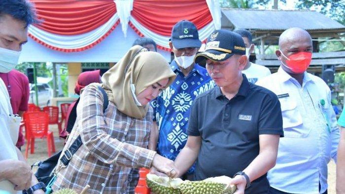 Mulkan Ajak Pejuang Kemanusiaan dan Kepala OPD Jalin Silaturahmi Makan Durian Bersama