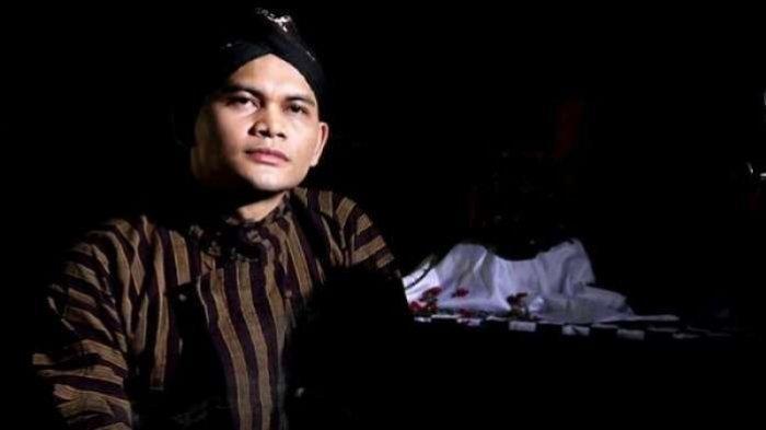 Mbah Mijan Ungkap Kengerian Lampor atau Keranda Terbang di Pulau Jawa, Netizen Sebut Isu Itu Hoax
