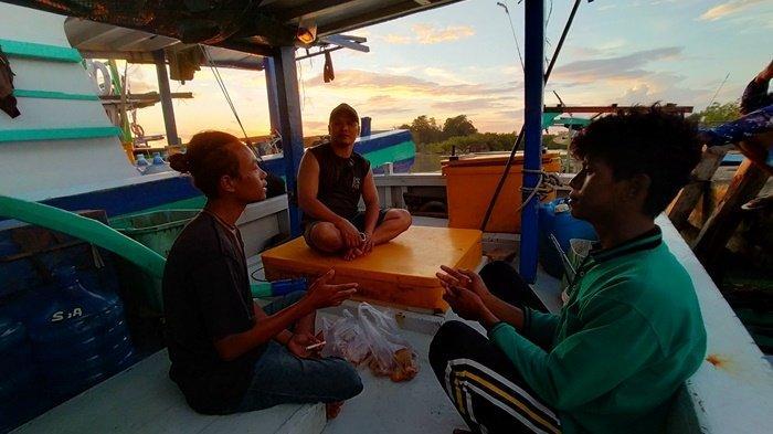 Warga Jakarta dan Banten Terombang-ambing di Laut Tanpa Makan, Hari Keempat Keberuntungan Datang