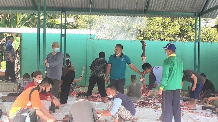Kemenag Bangka Belitung Bagikan Daging Kurban Dua Ekor Sapi, RayakanIduladha 1442 H
