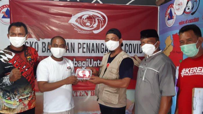 Desk Relawan Covid-19-Karang Taruna Bangka Sebar Daging Kurban Bantuan Bupati Bangka