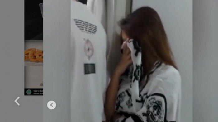 Hubungan Terlarang Pramugari dan Pramugara Lion Air Terungkap, Celana Pendek Dekat Koper Direkam
