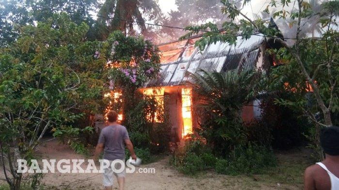 Tim Damkar Berhasil Padamkan Api Rumah Warga Desa Lampur, Kerugian Diperkirakan Capai Rp200 Juta