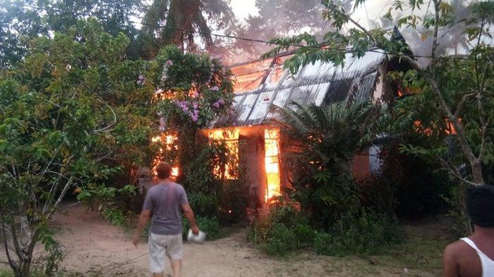 Rumah Warga di Desa Lampur Hangus Dilalap Api, Ini Dugaan Penyebabnya