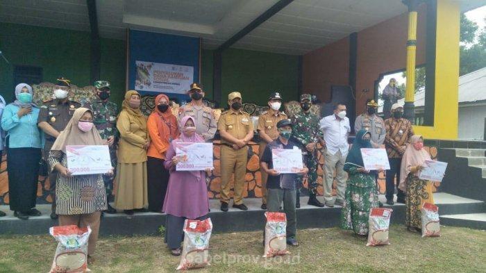 Gubernur Erzaldi Cek Penerapan PPKM Level 4 Belitung Timur Sekaligus Salurkan Bantuan