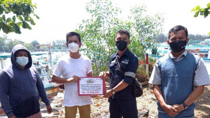 PT Timah Bantu Pembuatan Rumpon Program Serikat Nelayan Nahdlatul Ulama Bangka