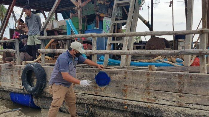 Tak Ditenggelamkan Layaknya Kapal Pencuri Ikan di Era Menteri Susi, Ponton Pencuri Diserahkan ke APH