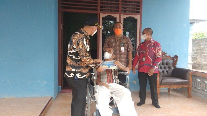 Tak Henti-Hentinya Ucap Syukur, Dahyar Senang dapat Bantuan Kursi Roda