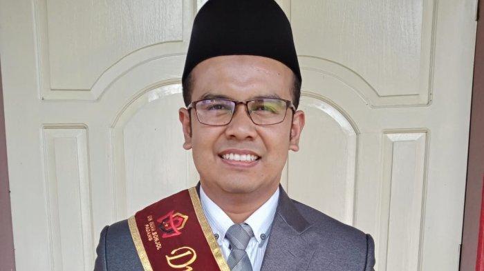 Selesaikan Pendidikan S3 di UIN Imam Bonjol Padang, Febrino Resmi Bergelar Doktor