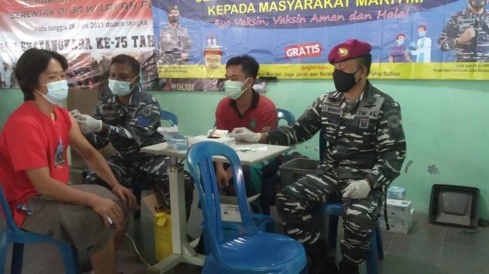 Serbuan Vaksinasi Masyarakat di Gedung Serbaguna Kecamatan Belinyu Kab.Bangka (Kamis,05/08/2021).