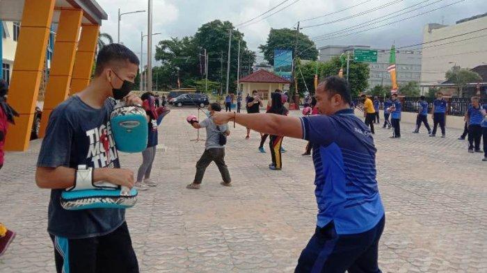 Personel Polres Pangkalpinang Latihan Muay Thai, Dukung Kinerja Polisi di Lapangan