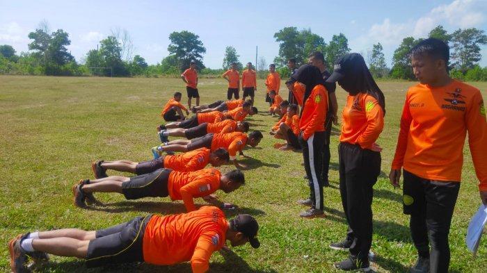 Personel Basarnas Pangkalpinang Jalani Tes Fisik, Dukung Kesiapsiagaan Operasi SAR