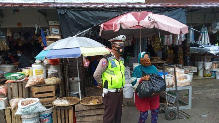 Satlantas Polres Bangka Bagi Paket Sembako, Secara Bertahap Dilakukan Sejak Bulan Juli