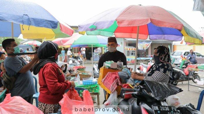 Borong Dagangan, Bahagia Pedagang Saat Gubernur Bangka Belitung Berbagi Rezeki
