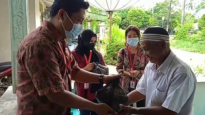 ASP Muntok Kembali Memberi Santunan kepada Masyarakat Muntok
