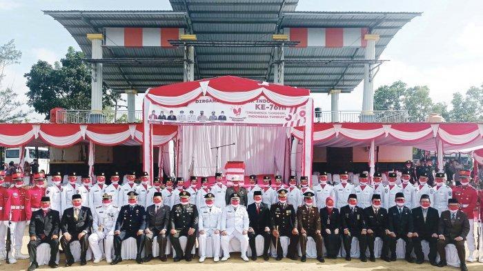 Upacara HUT Ke-76 Republik Indonesia di Bangka Barat Menjadi Momentum Perlawanan Covid-19