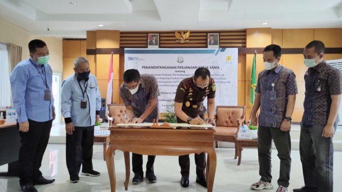 Perjanjian kerjasama antara PT PLN (Persero) Unit Induk Pembangunan Sumatera Bagian Selatan dengan Kejaksaan Tinggi Provinsi Bangka Belitung.