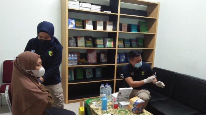 IAIN SAS Babel Bersama Polda Bangka Belitung Laksanakan Vaksinasi
