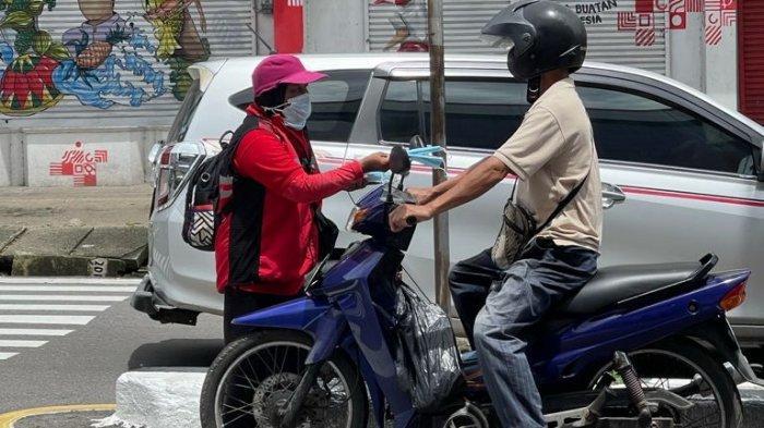 Rudianto Tjen Ajak Warga Bangka Belitung Taat Prokes Covid-19, Rudi Center Bagikan Ribuan Masker