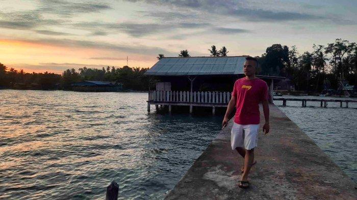 Pesona Sunset dari Ujung Dermaga Pantai Bakit Parittiga Bangka Barat, Simak Panoramanya