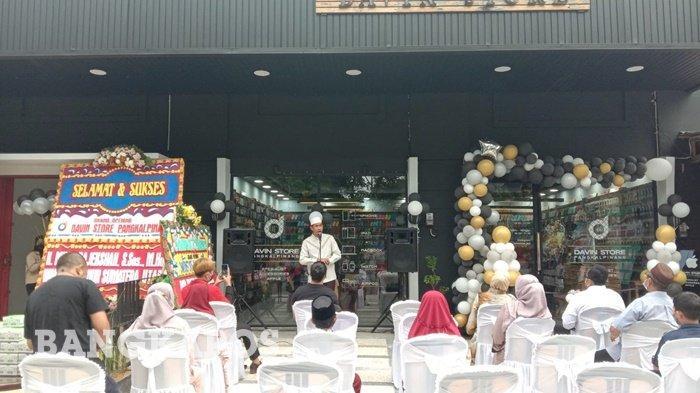 David Store di Jl Fatmawati Selindung Baru Kota Pangkalpinang, depan SMP N 7 Pangkalpinang yang menjual aksesoris Apple.