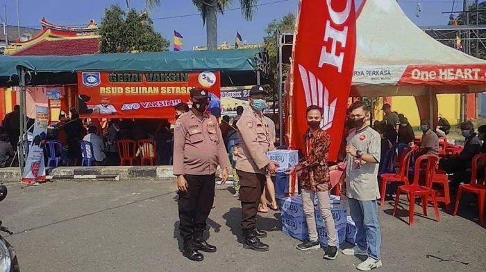 Dealer Honda PT. Asia Surya Perkasa (ASP) cabang Muntok melakukan kegiatan vaksin bersama Polsek Muntok dan Puskesmas Muntok