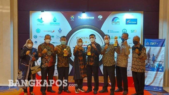 Perumda Air Minum Tirta Borong Penghargaan BUMD Awards