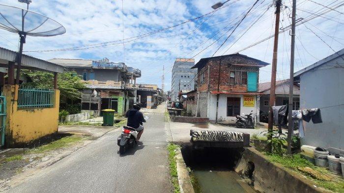 Warga Gedung Nasional Pangkalpinang Resah Setiap Kali Hujan Banjir, Evin: Tidak Tidur Sampai Pagi