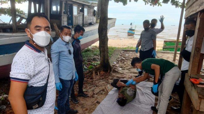 BREAKING NEWS, Warga Geger Mayat Pria Ditemukan Pantai Kampung Padang, Diduga Bernama Baharudin