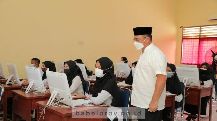Gubernur Bangka Belitung Tinjau Pelaksanaan Seleksi SKD CPNS di Ruang CAT Lantai 4 Kantor Gubernur