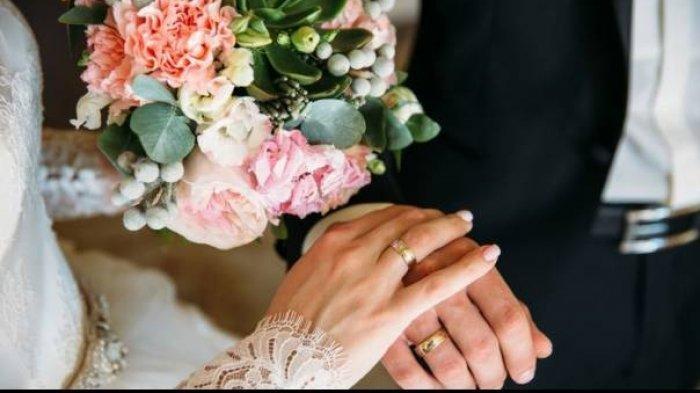 Janda 59 Tahun Dinikahi Pemulung Tampan Berusia 22 Tahun: Rasanya Seperti Pernikahan Pertama