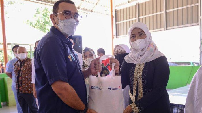 PT Timah Komitmen Bantu Masyarakat, Bagikan 800 Paket Sembako ke Empat Kabupaten