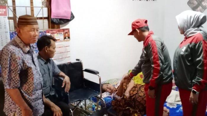 SEMARI: Cara Unik Ajak Warga Bersedekah Lima Ratus Rupiah Sehari Ala Mulkan-Syahbudin