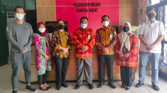 Kunjungan Ketua Pengadilan Agama Muntok ke Kantor Kejari Bangka Barat, Jum'at (17/09/2021).